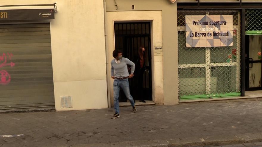 Fran y Cayetano muestran los papeles que han puesto contra las cuerdas a Isabel Pantoja