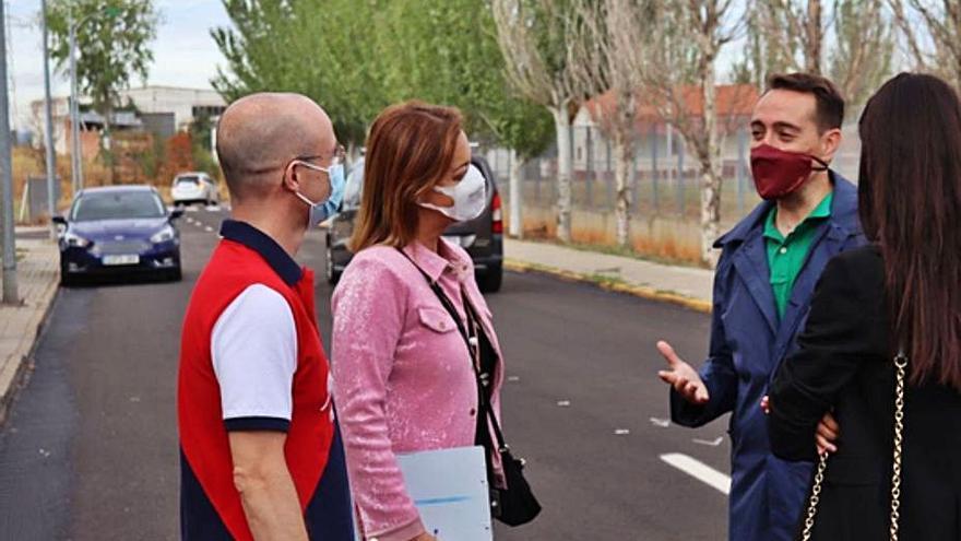 El Ayuntamiento de Benavente recibe las obras de pavimentación de ocho calles de Las Catalanas