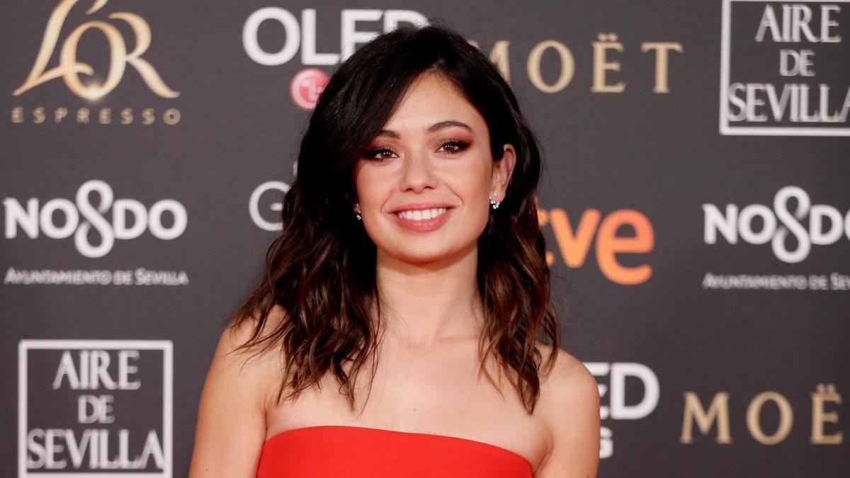 Anna Castillo en la alfombra roja de los Goya 2019.