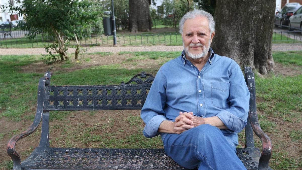 """Julio Anguita, en """"situación crítica"""" en la UCI del Hospital Reina Sofía"""