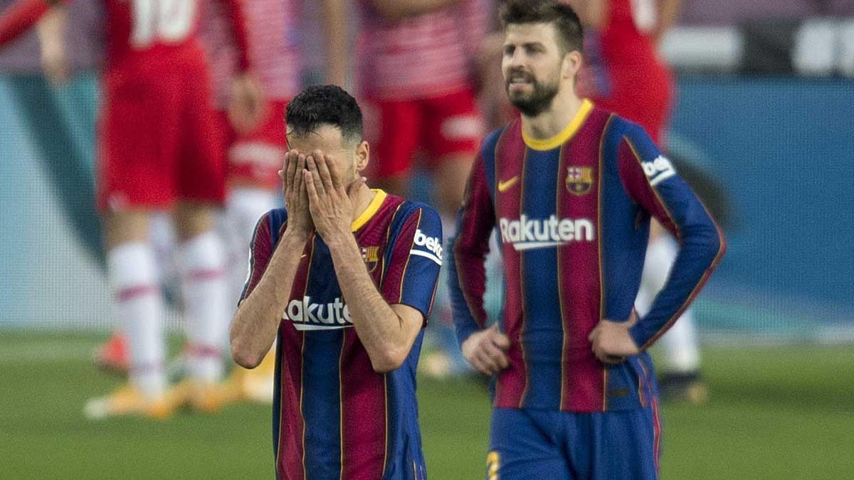 Busquets y Piqué, en un partido de la pasada temporada.