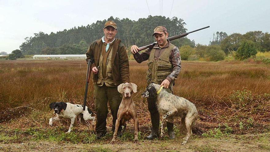 Los cazadores alertan de la presencia de personas y familias en los montes y cotos