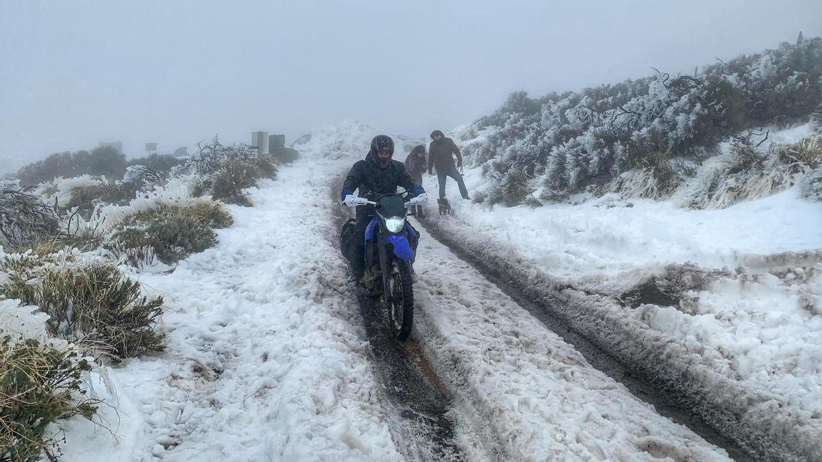La nieve sigue presente en el Parque Nacional del Teide