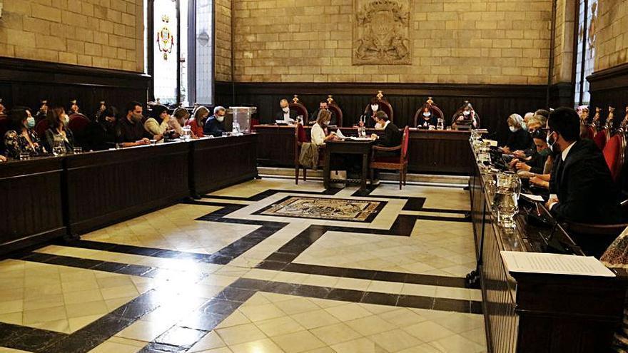 Guanyem i PSC eleven la crítica pel pacte del govern i Pamplona