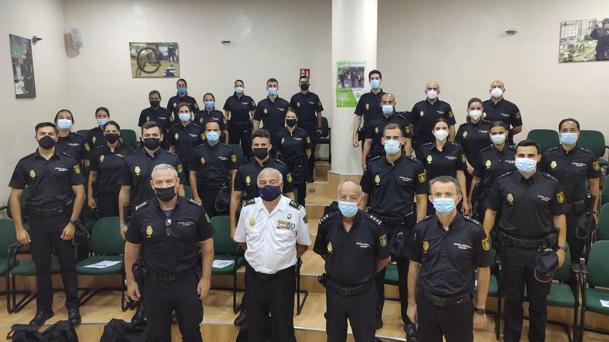 Los agentes de Policía en prácticas fueron presentados ayer en Jefatura.