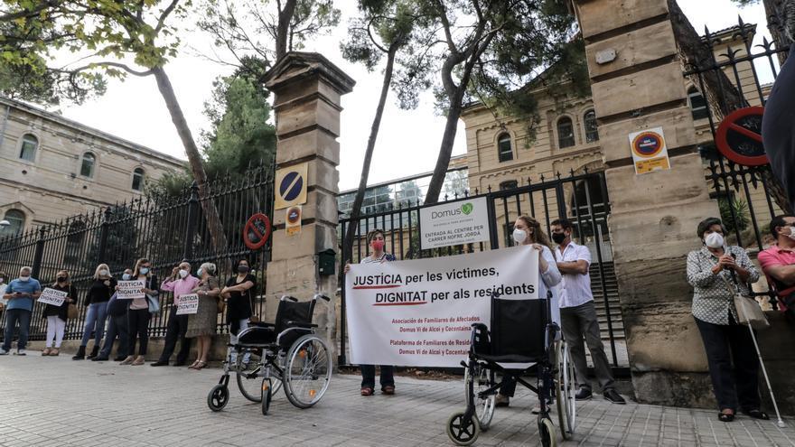 Los familiares del geriátrico de Oliver de Alcoy exigen más apoyo al Consell