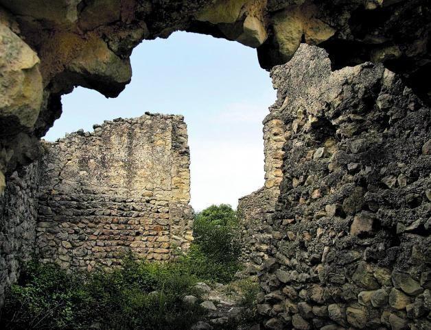 Ayuntamiento. Restos de Adzuvieta.
