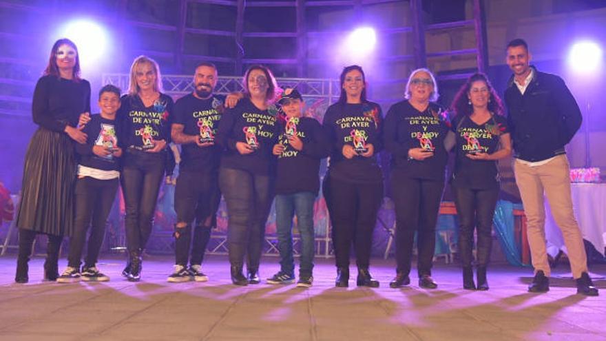 Un pregón teatral  y un pasacalle con diez grupos abren la fiesta en Corralejo