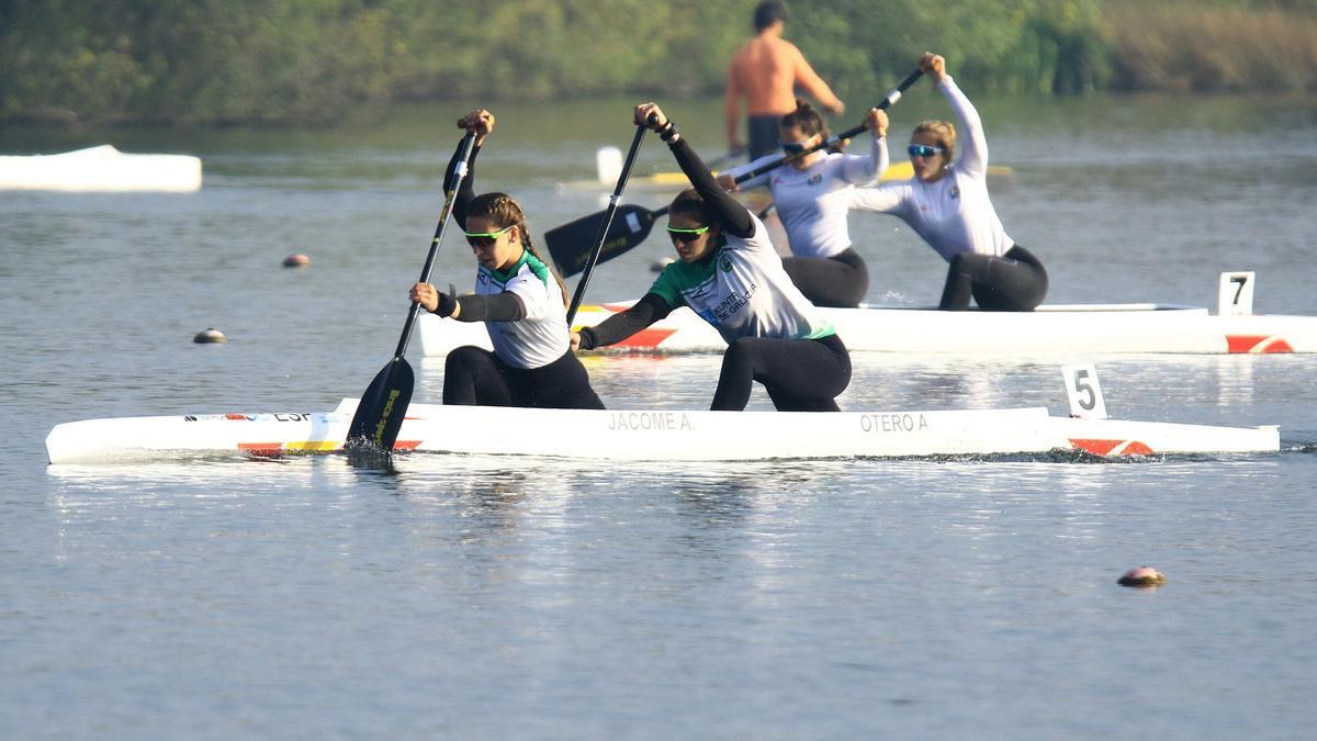 Antía Jácome y Antía Otero en la competición de C2.