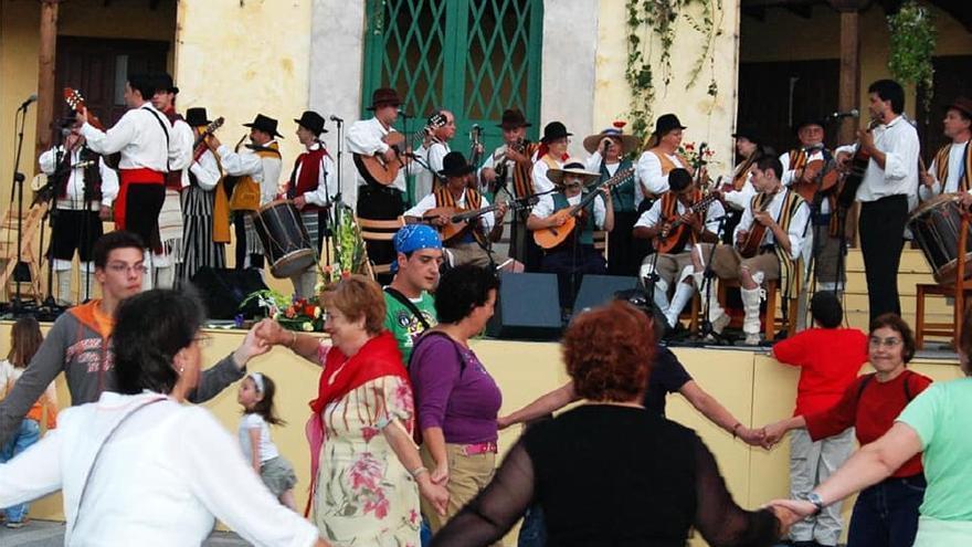 Realejeros cantan a su pueblo