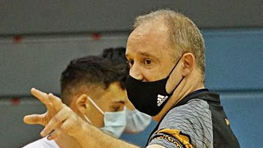 El Real Murcia Baloncesto no descarta la continuidad de Rafa Monclova