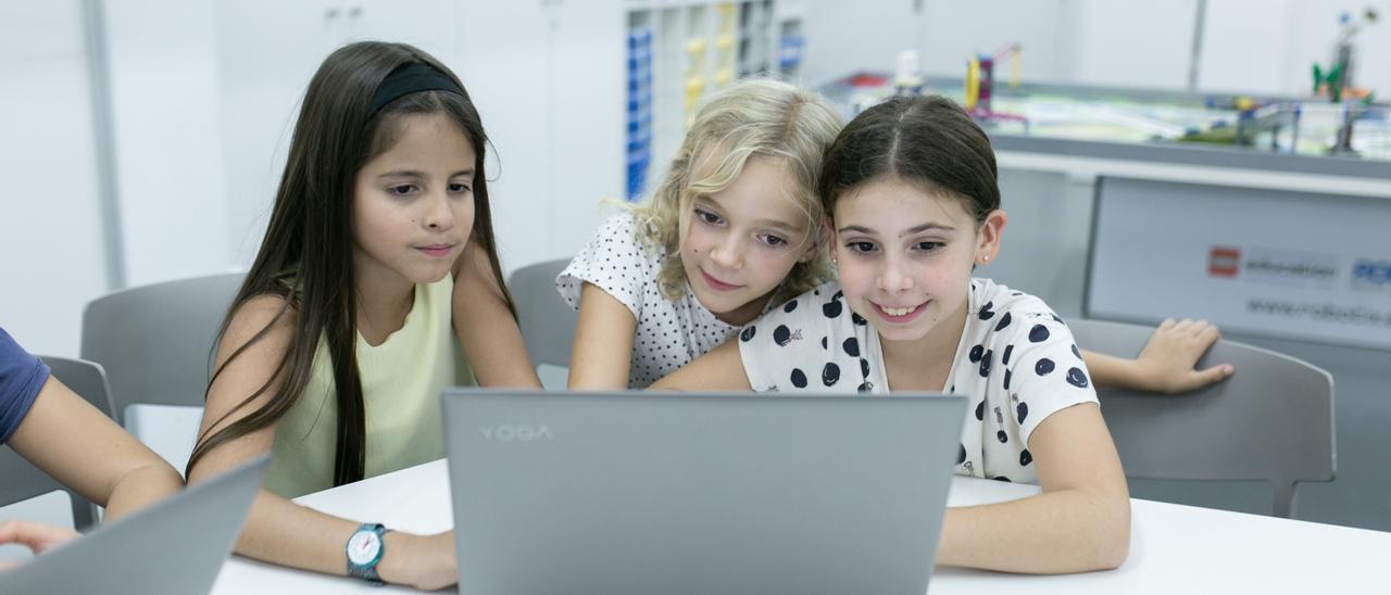 Vuelve el programa de Aquona para fomentar el talento femenino en la ciencia