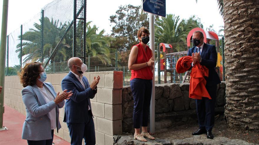 El Ayuntamiento homenajea a la exbaloncestista Rosi Sánchez