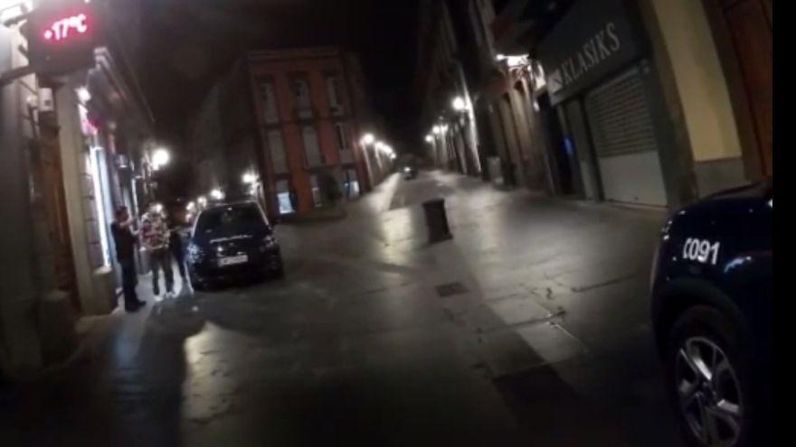 Un menor pega una paliza y roba a un indigente en Las Palmas