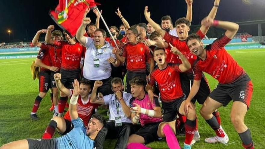El Egabrense celebra el ascenso a la División de Honor Andaluza