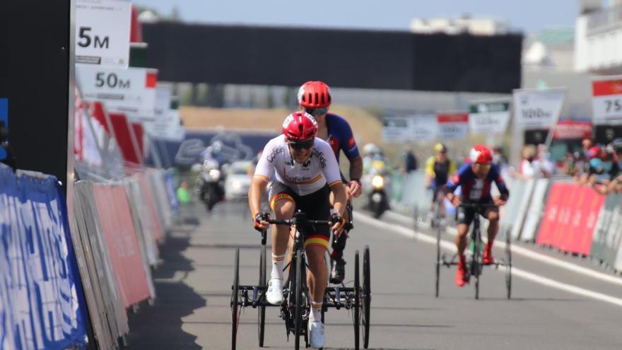 Segunda medalla de Joan Reinoso en el Mundial de ciclismo adaptado