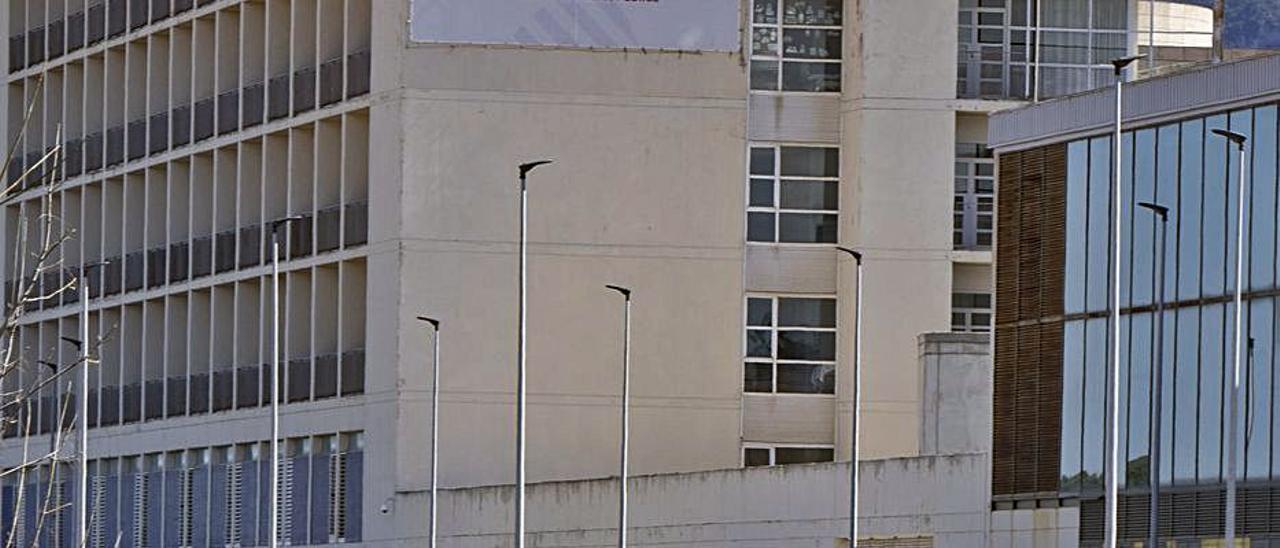 El Hospital de la Ribera, en una imagen de archivo.   PERALES IBORRA