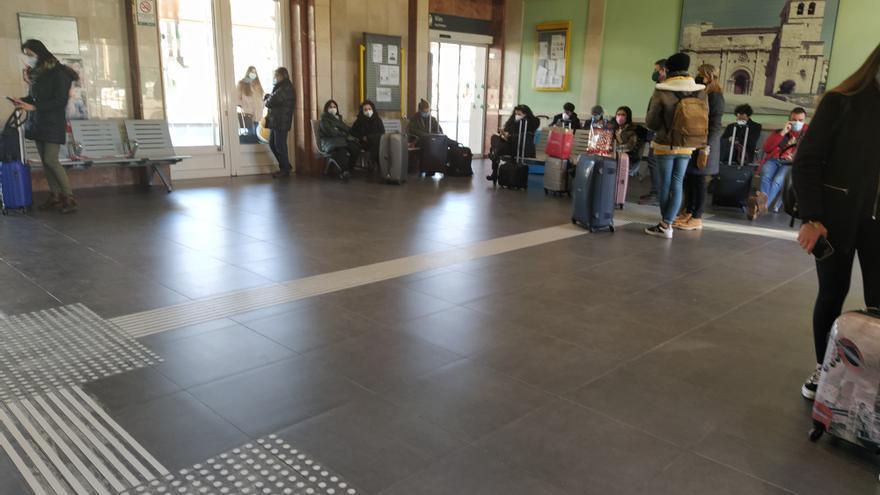 Los trenes de Zamora siguen acumulando retrasos
