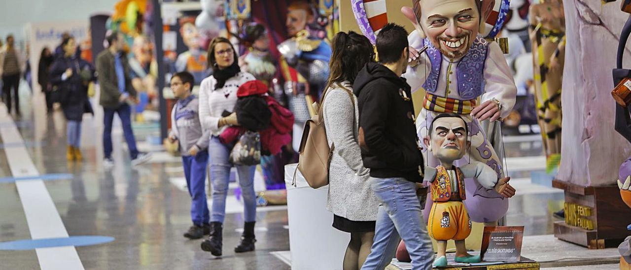 La Junta Central Fallera, de momento, prevé celebrar la Exposición del Ninot.  | EDUARDO RIPOLL