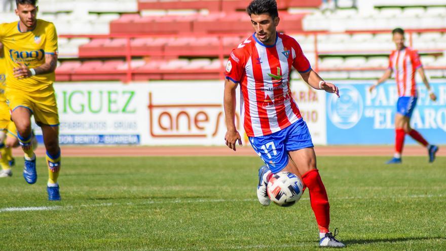 Alex Herrera renueva por el Don Benito
