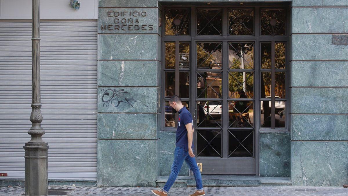 Edificio Doña Mercedes, en la avenida República Argentina, donde ha tenido lugar el suceso.