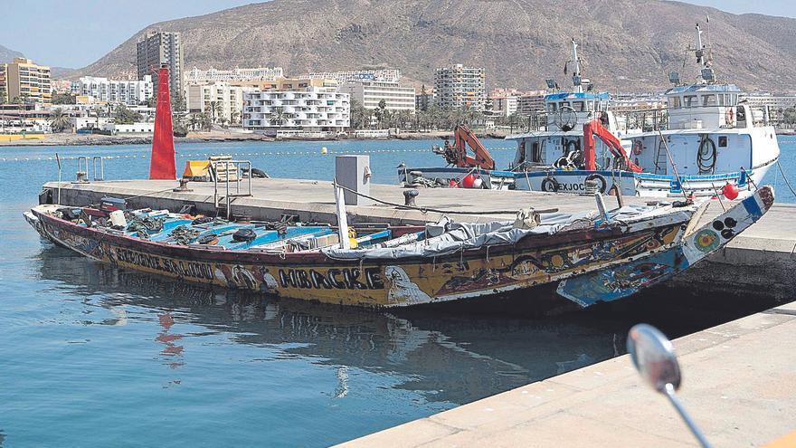 Seis pateras y un cayuco alcanzan las costas canarias con 183 personas a bordo