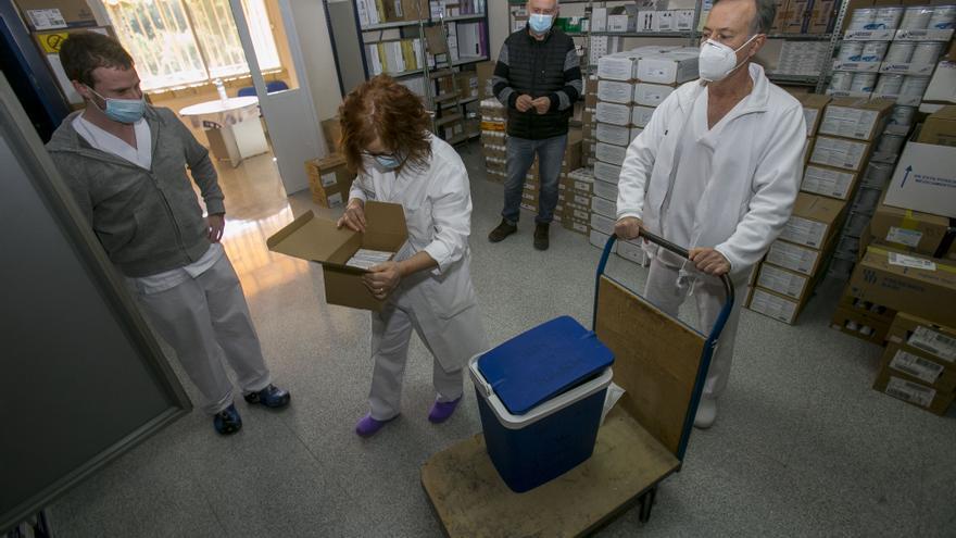 Sanidad aplaza a la semana que viene la vacunación en la privada al retrasarse la llegada de dosis de Moderna