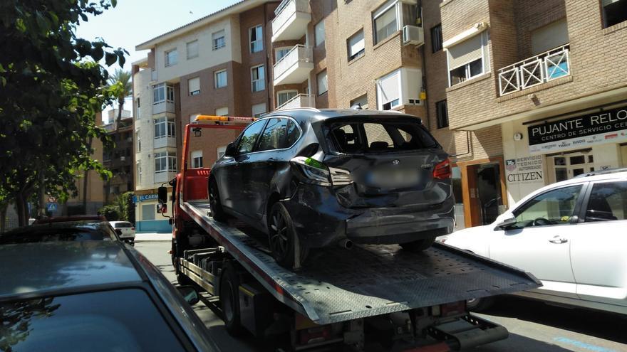 Detenido tras conducir borracho y estrellarse contra dos coches aparcados en Murcia