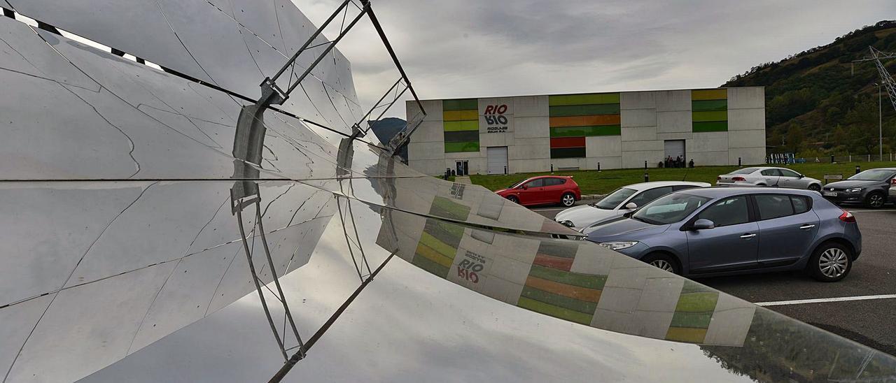 La factoría de Rioglass Solar de Lena, situada en el polígono de Villallana.