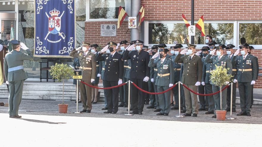 Acto en la Comandancia de Cáceres por el 12 de octubre
