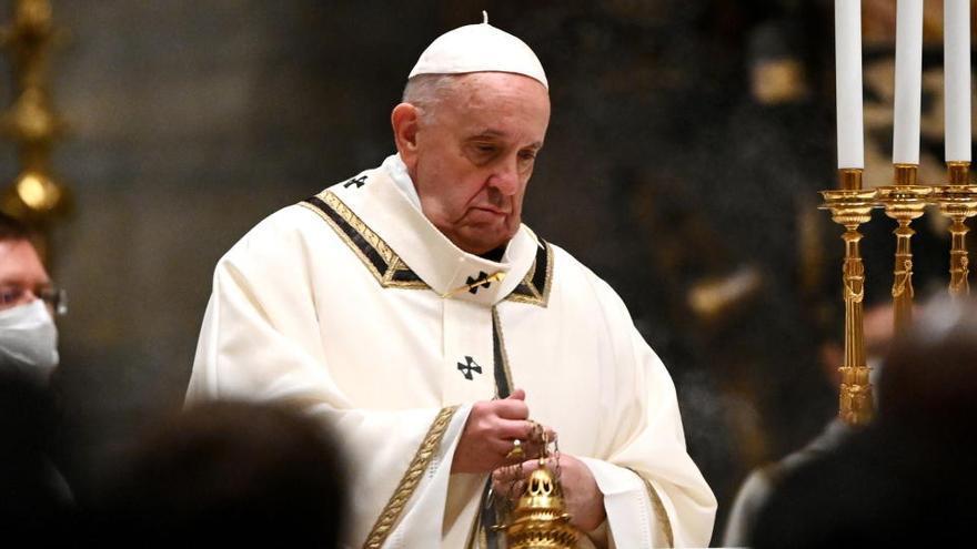 El Papa oficia la Misa del Gallo más solitaria llamando a la fraternidad