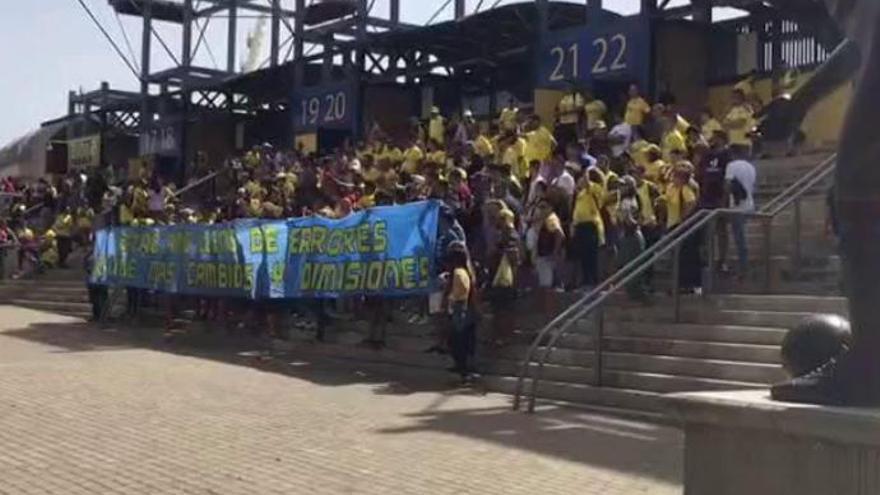 Protesta y bronca en la grada
