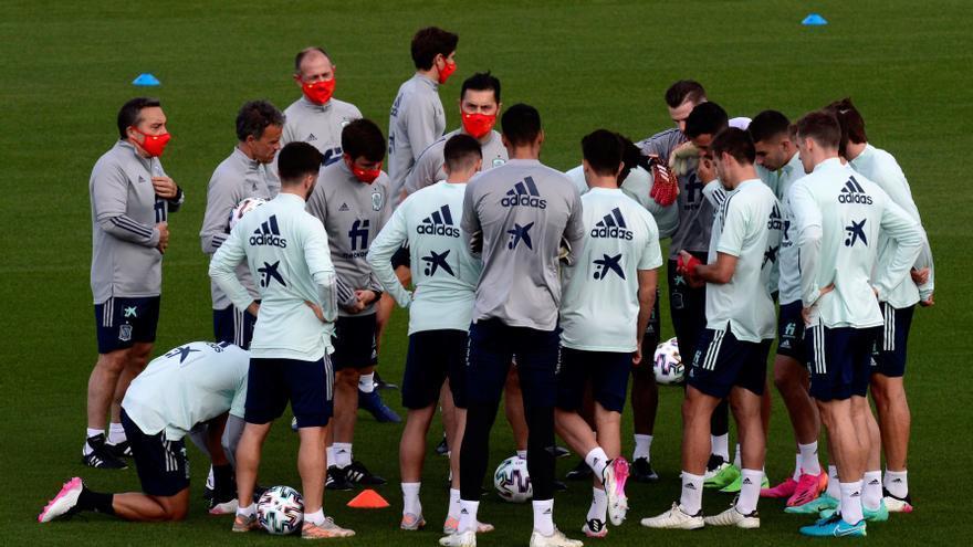 La selección ya entrena con la mente en el decisivo partido contra Eslovaquia