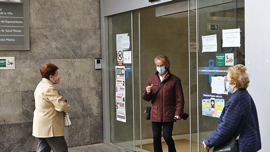 """Barbón, sobre la atención en los centros de salud: """"Es intolerable que haya que llamar 30 veces para que te atiendan"""""""