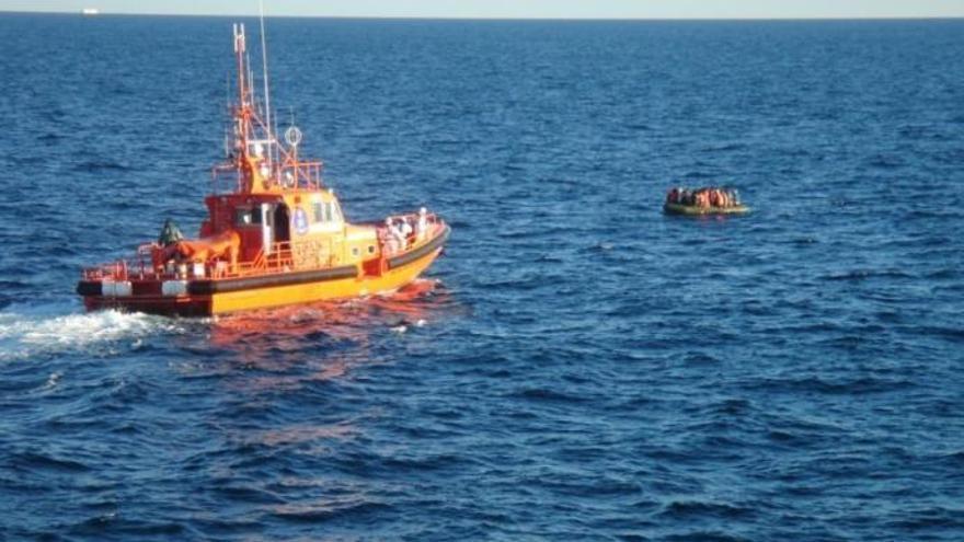 Tres detenidos en Fuente Álamo por tráfico de personas desde Argelia