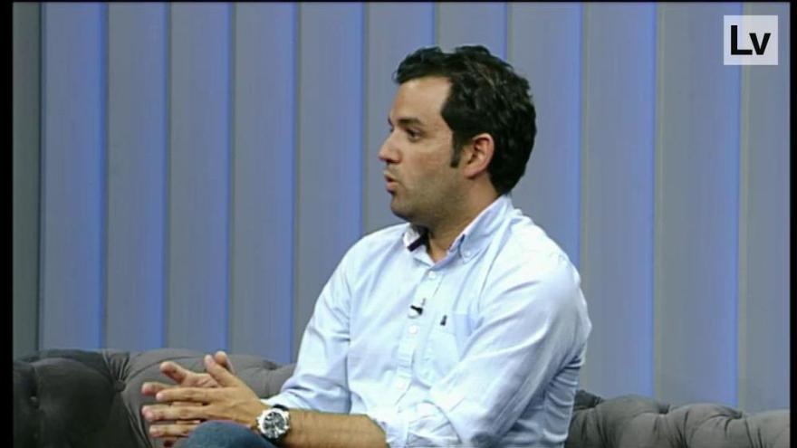 El alcalde de Paterna, Juan Antonio Sagredo, responde a las preguntas de Levante TV