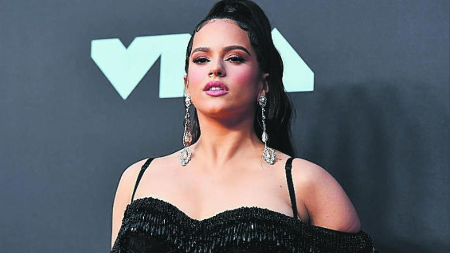 Rosalía, Rihanna y Dylan regalan a su público tres nuevos temas