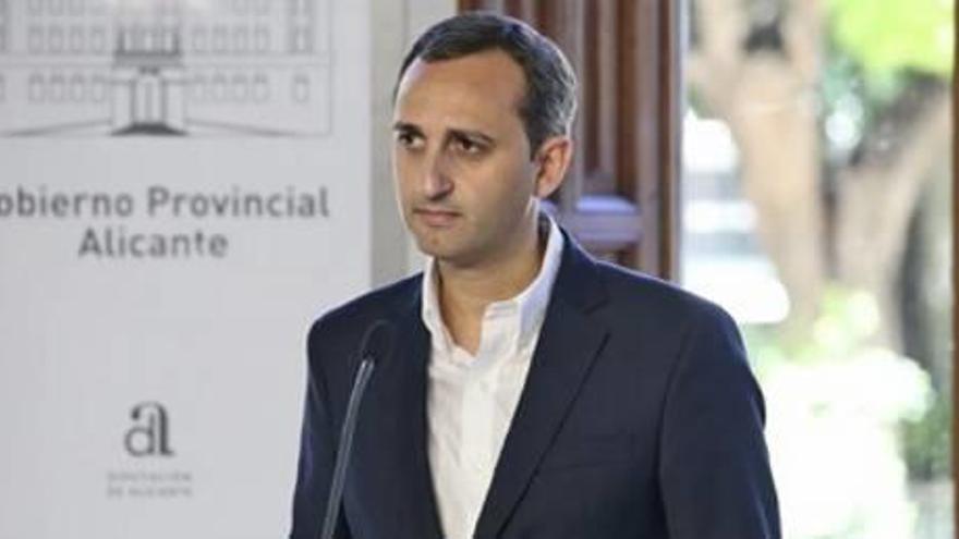 La Diputación de Alicante va a la guerra e impugnará las ayudas «a dedo» del Consell