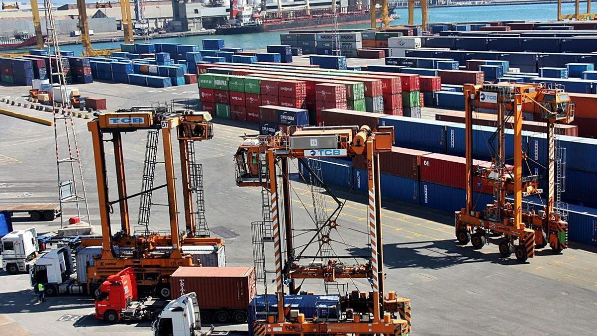Des del mes de gener, les exportacions catalanes han crescut el 27,6% | ARXIU/ACN