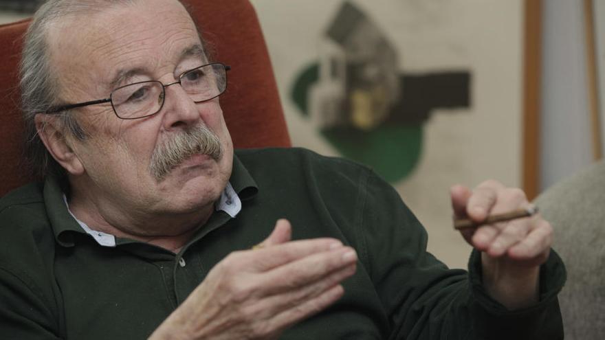 """Muere a los 76 años el comunicador y escritor asturiano Juan Cueto, """"el columnista de la modernidad"""""""