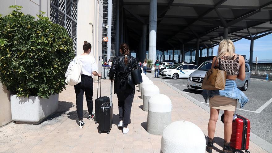 """Los hoteleros advierten de que el verano está """"en la cuerda floja"""", con una ocupación inferior al 50%"""