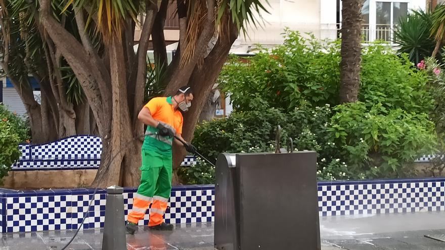 El alcalde anuncia ahora que Torrevieja gestionará la recogida de basura a través de una empresa pública