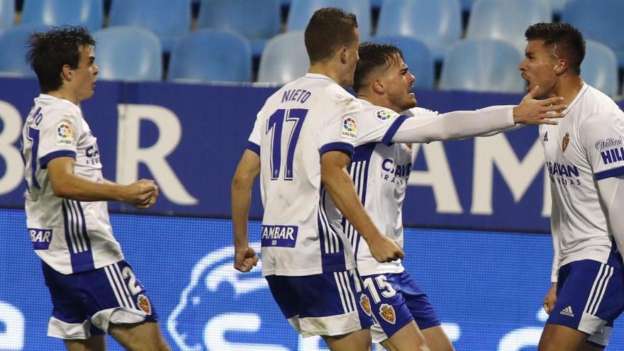 Narváez salva al Zaragoza con dos goles en el descuento