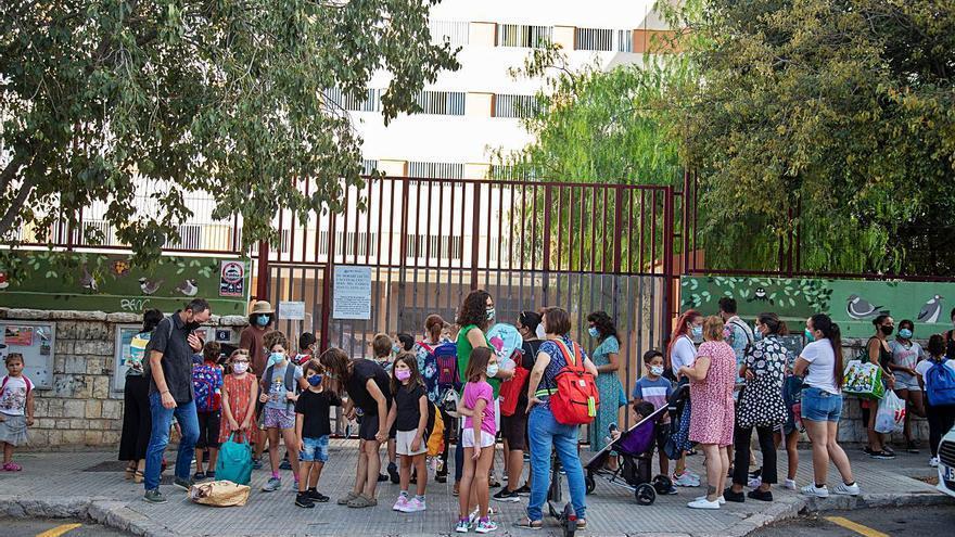 Las escuelas de Baleares no podrán pedir a los padres si sus hijos ya están  vacunados