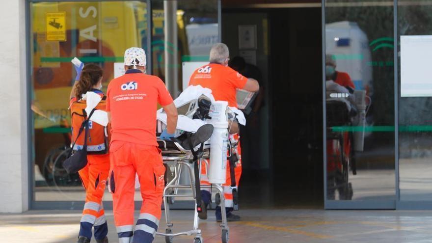 Andalucía supera los 800 hospitalizados por covid tras sumar 18 más en 24 horas
