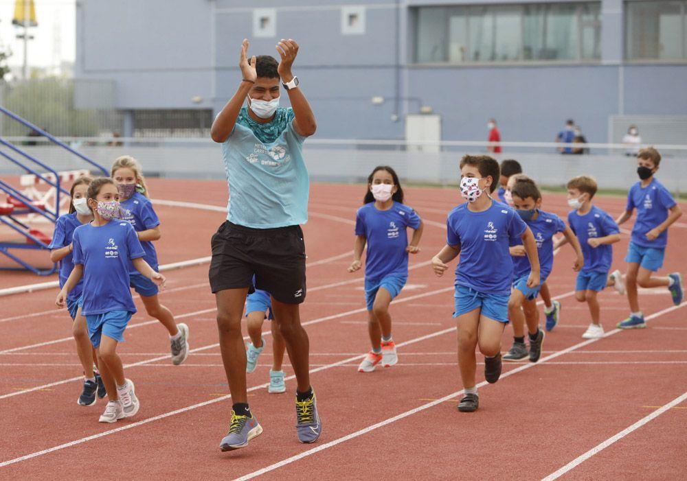Presentación de los equipos de la Escuela de Atletismo del CAEM de Sagunt.