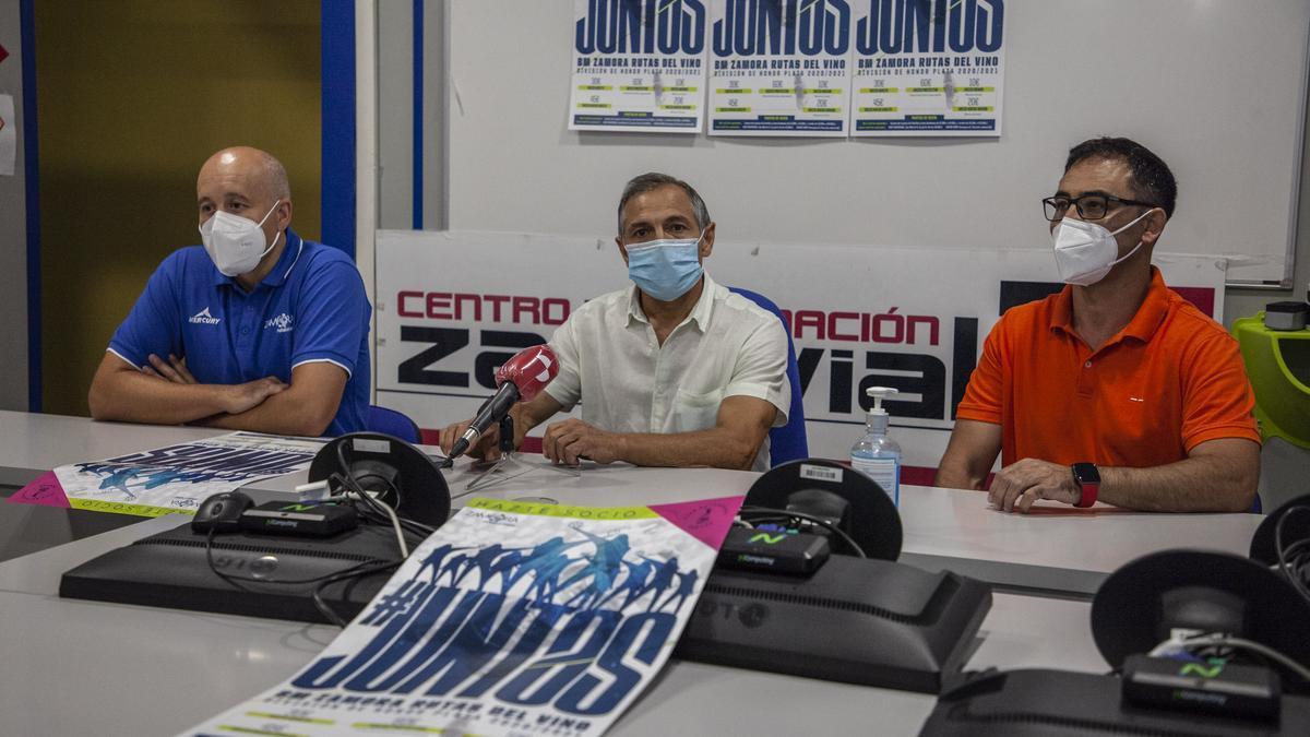 Participantes en la presentación de la campaña de abonados del BM Zamora