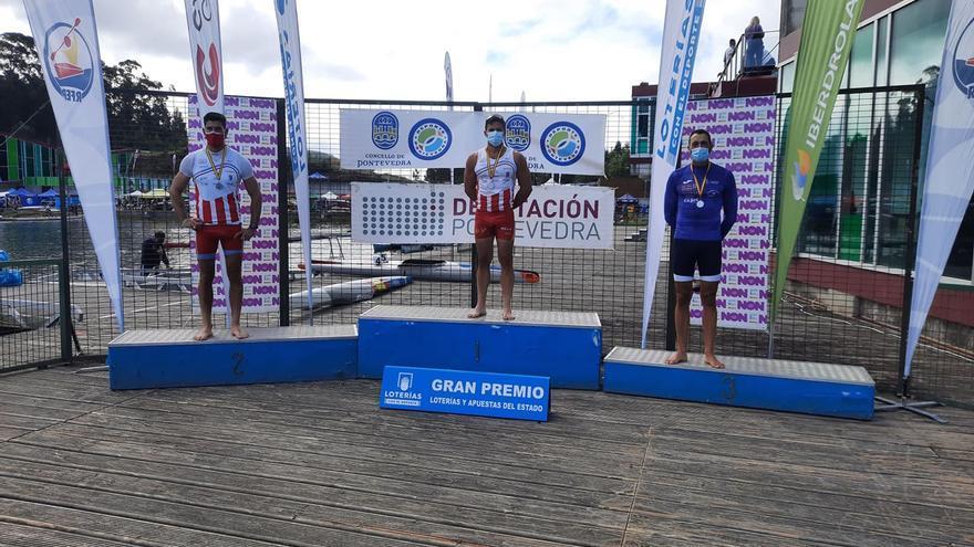 Los asturianos Pedro Vázquez, Juan Oriyés, Sara Ouzande y Andrea Rodriguez, primeras medallas de oro en el Campeonato de España de sprint olímpico, en Verducido (Pontevedra)