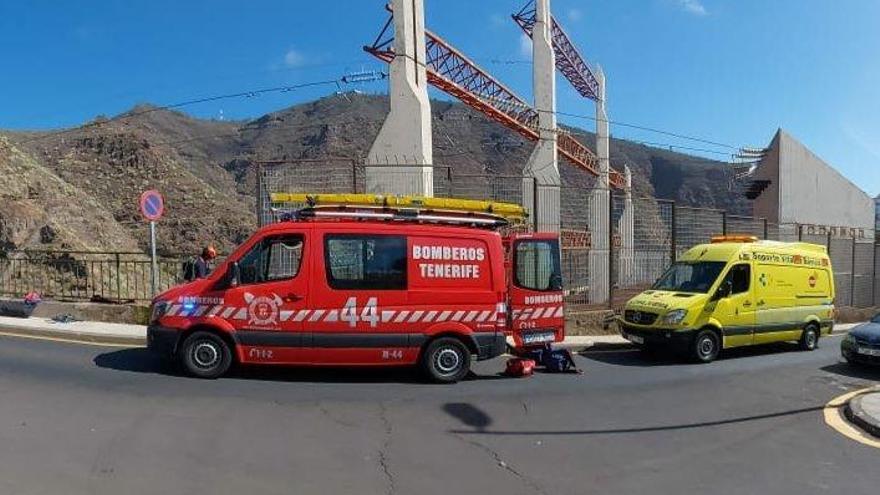Un ciclista herido tras sufrir una caída por un barranquillo en Tenerife