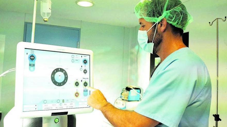 Cirugía de retina con éxito sin salir de la isla de Ibiza